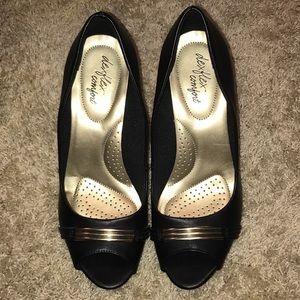 NWOT Dexflex Comfort peep toe black pumps